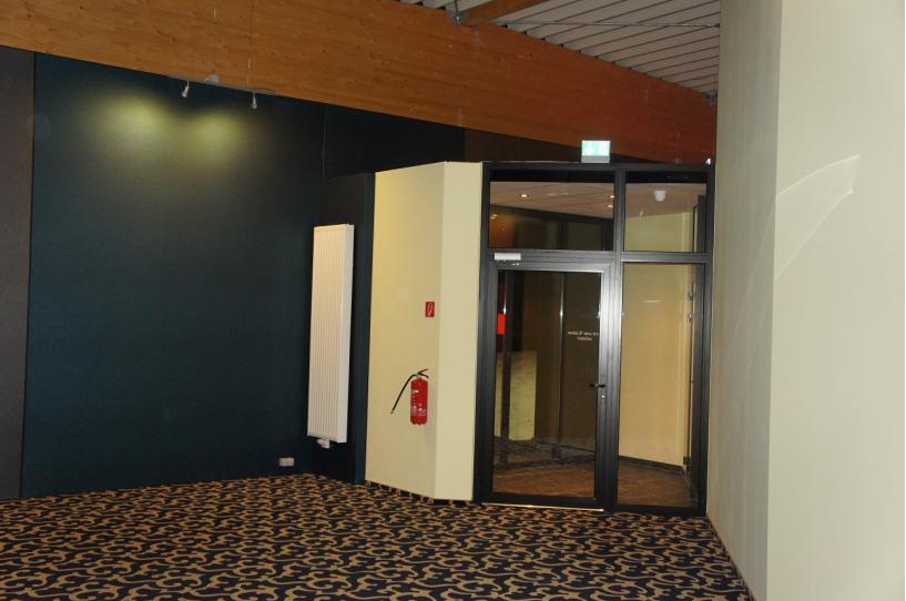 Trockenbauarbeiten, Teppich, Türe, Fliesenarbeiten, Möbel, Bineli Bau